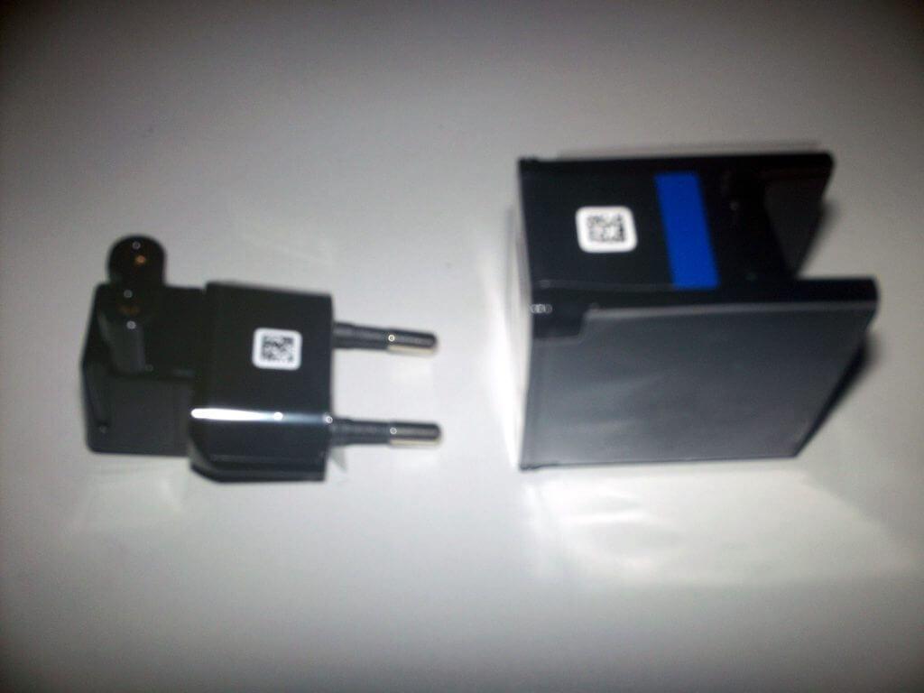 Adapter dan colokan Samsung Galaxy Tab 2 7.0