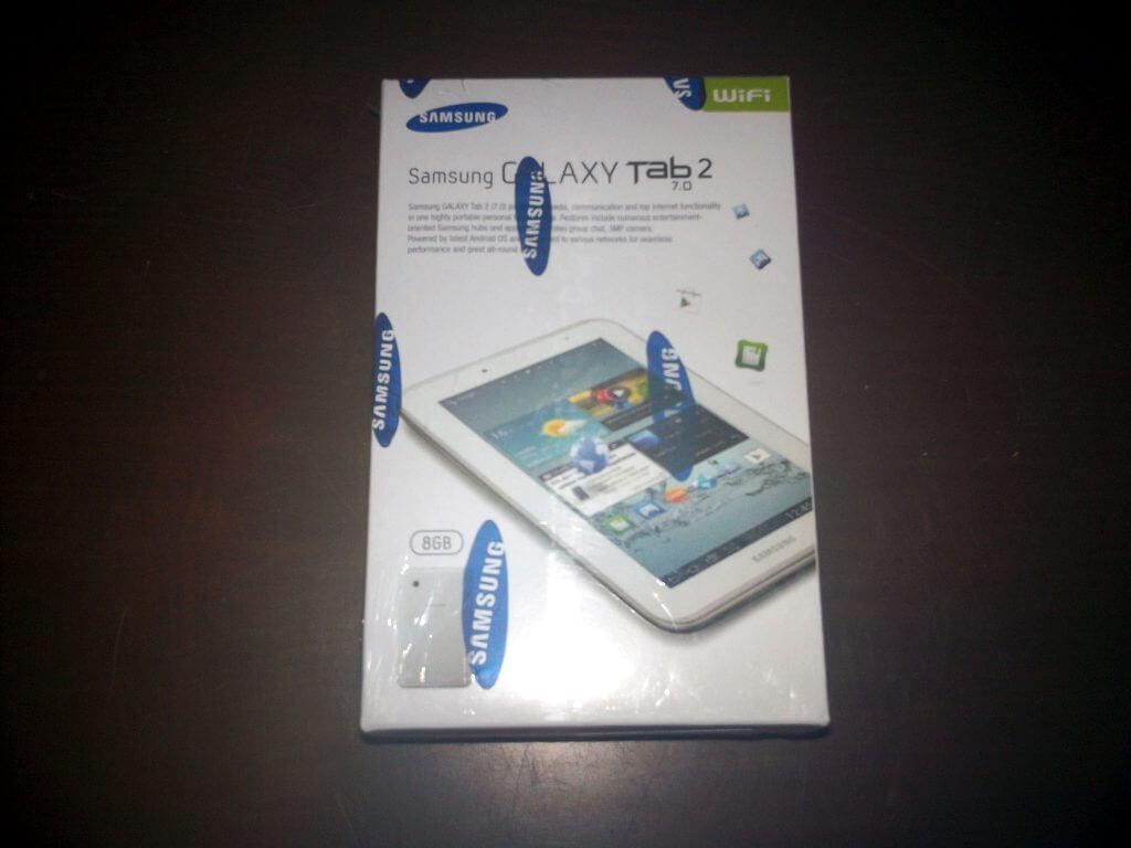 Boks kemasan Samsung Galaxy Tab 2 7.0 Wifi-only (GT-P3110) tampak depan