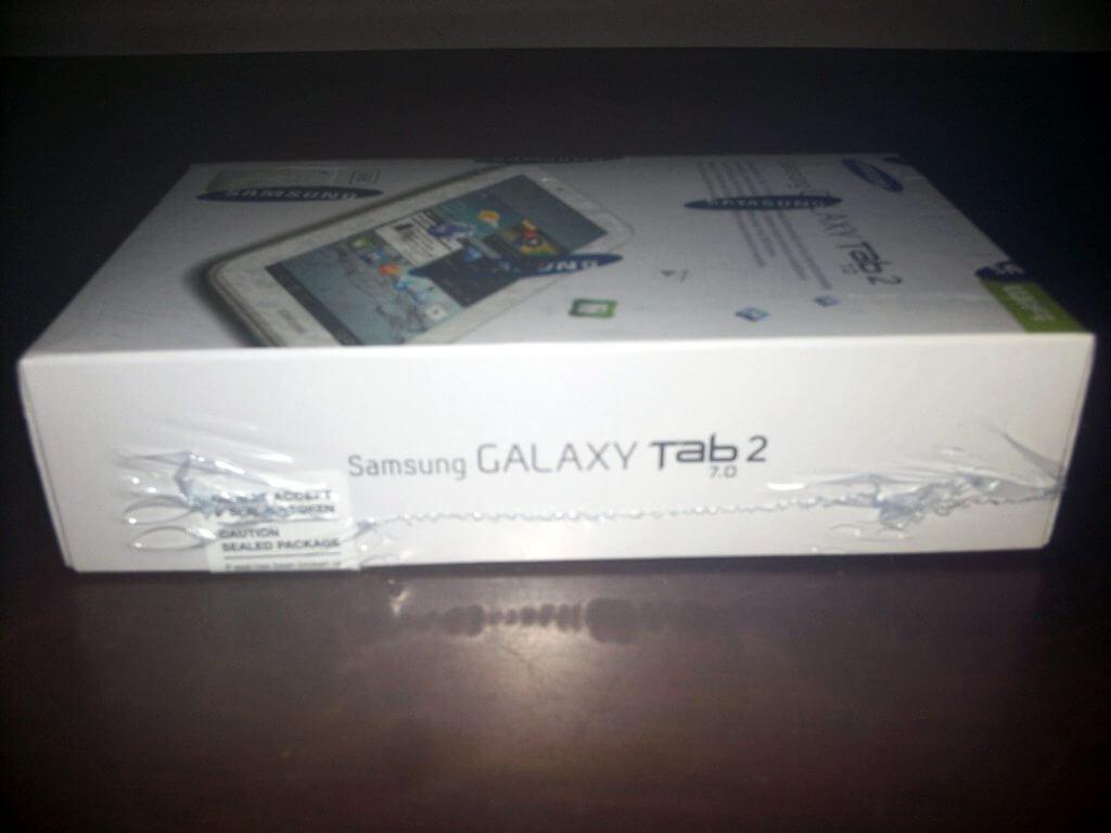 Boks kemasan Samsung Galaxy Tab 2 7.0 Wifi-only (GT-P3110) tampak samping