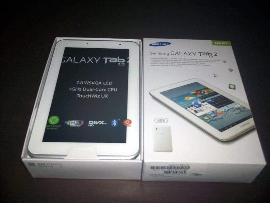 Boks kemasan Samsung Galaxy Tab 2 7.0 Wifi Only dibuka
