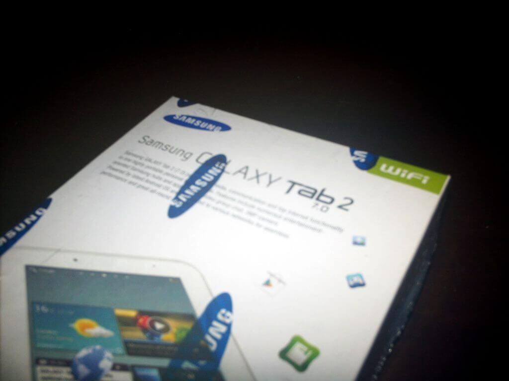 Boks kemasan Samsung Galaxy Tab 2 7.0 Wifi-only (GT-P3110) detail bagian atas miring