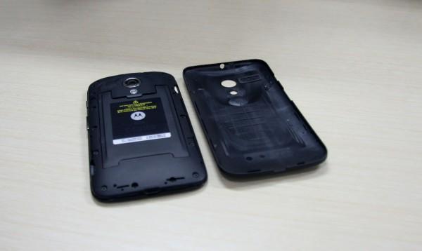 Tampilan cover belakang dibuka - Motorola Moto-G