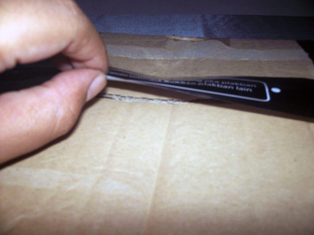 Paket pembelian Samsung Galaxy Tab 2 7.0 Wifi-only dari Bhinneka.com - lakban tidak menempel