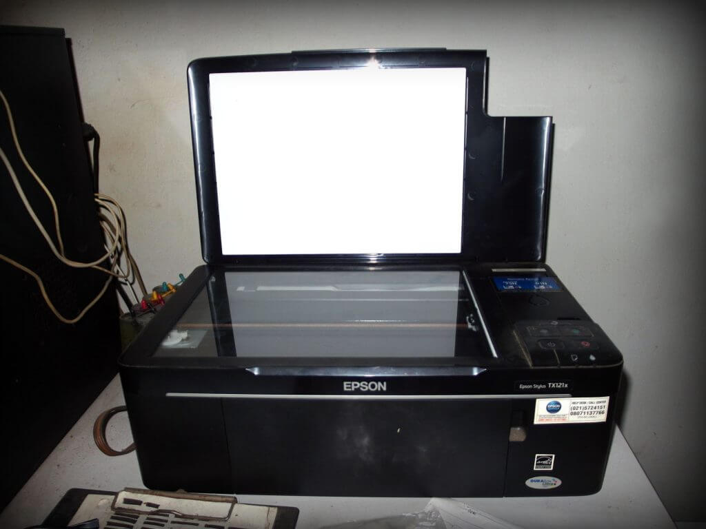 Scanner - peripheral komputer untuk Optical Character Recognition (OCR)